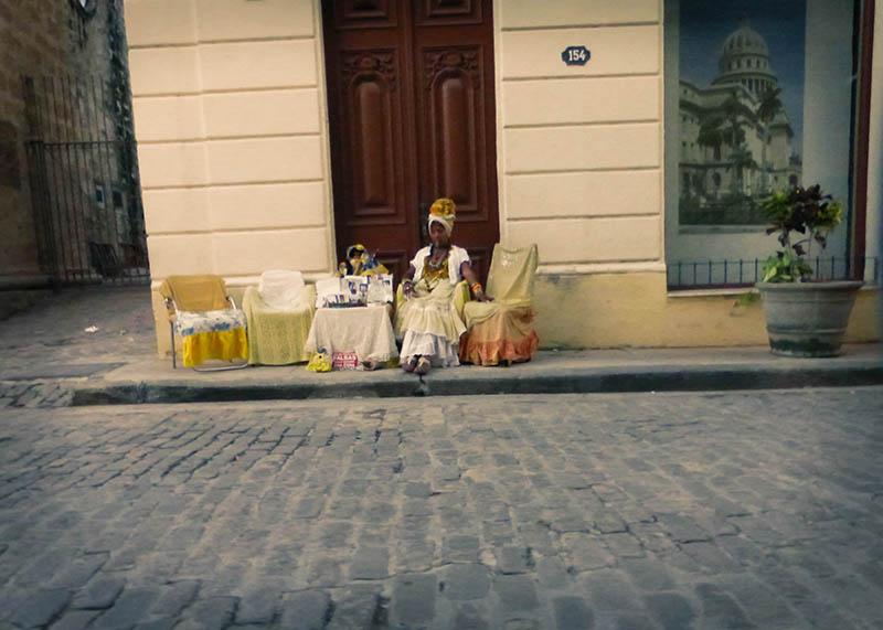 Mujer Cubana con Puro, La Habana, Cuba